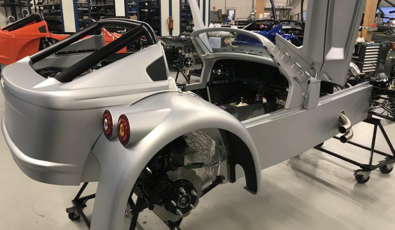 Donkervoort D8 GTO 40 spuitwerk voor de Fabriek vol
