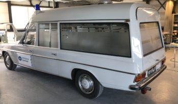Mercedes 230 Ambulance 1969 vol